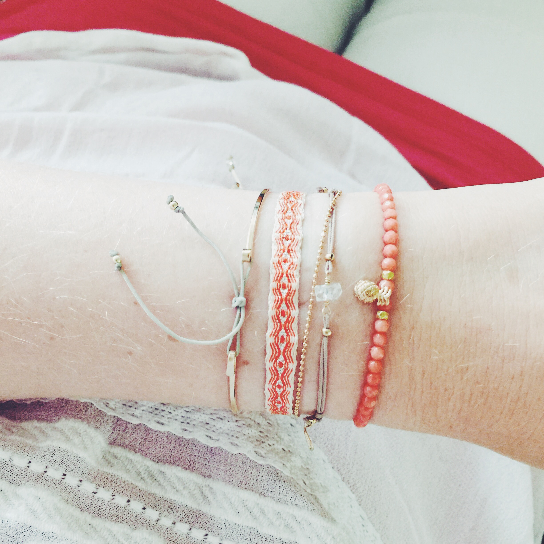 Armbänder von new one Shop kombiniert mit Armbändern von MAKAROjewelry