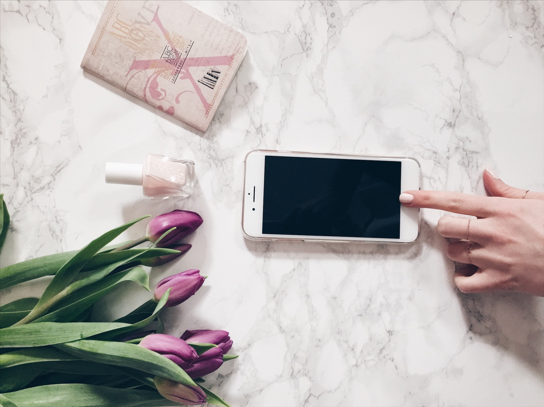IPhone 7 Plus Essie gel couture