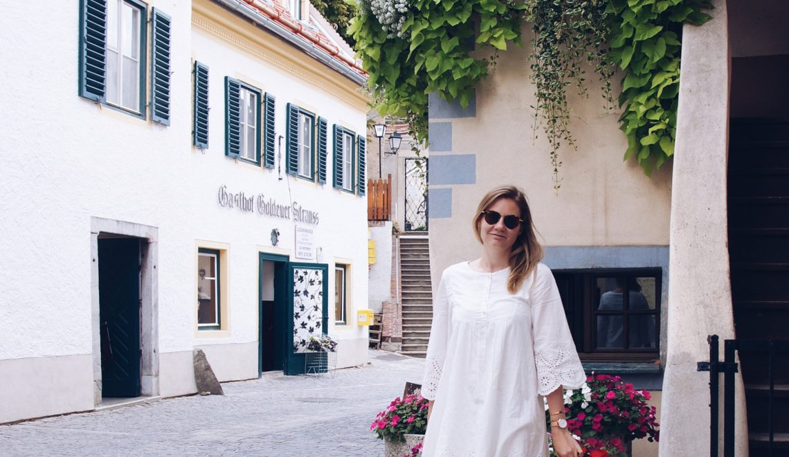 SOMMERTREND: weiße Kleider