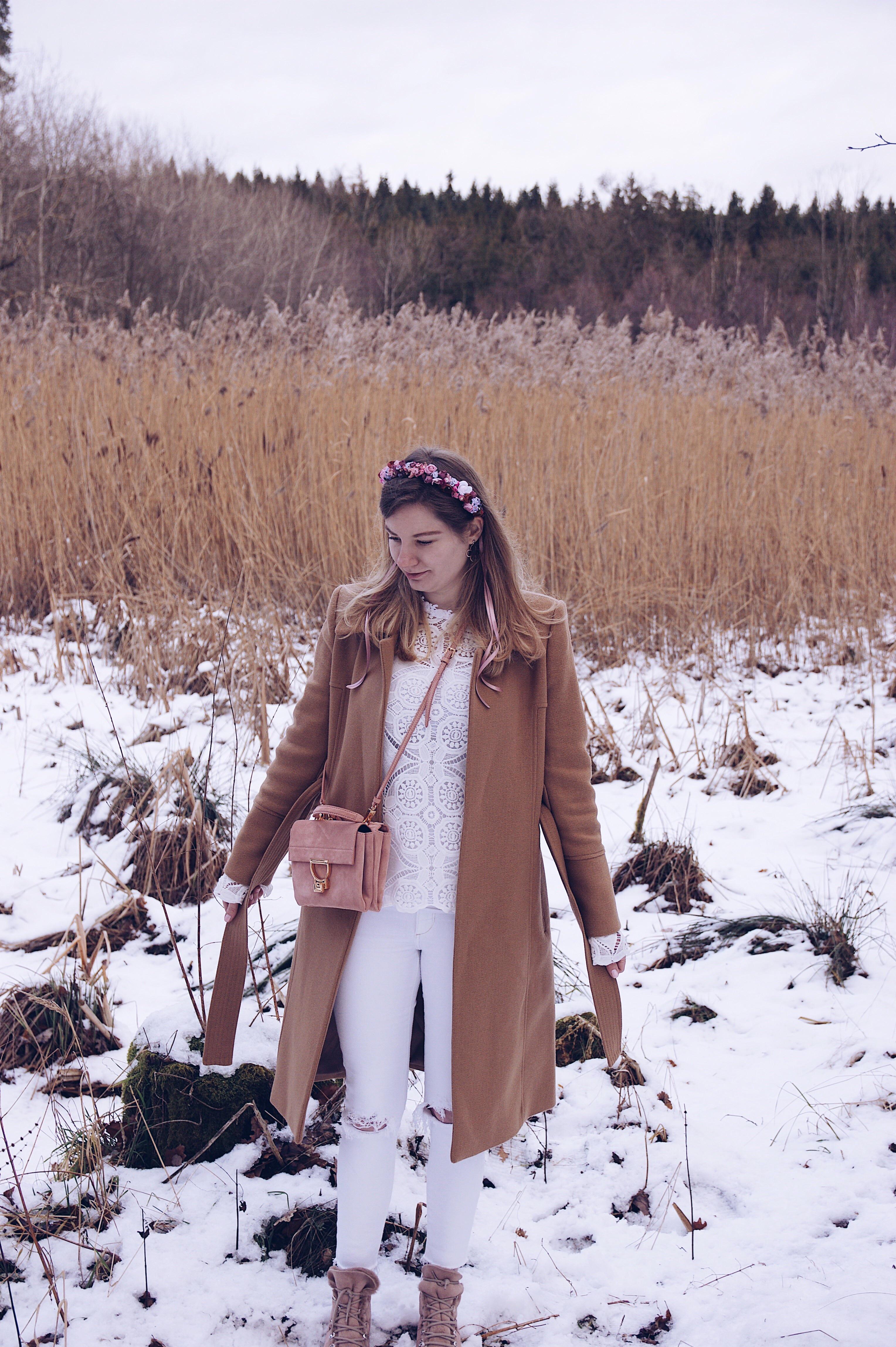 We Are Flowergirls Winter Look, Flower crown