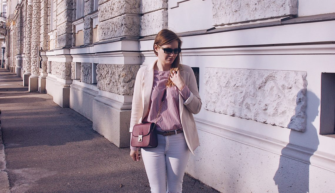 Outfitpost, Frühlingslook Blazer, Bluse, Jeans