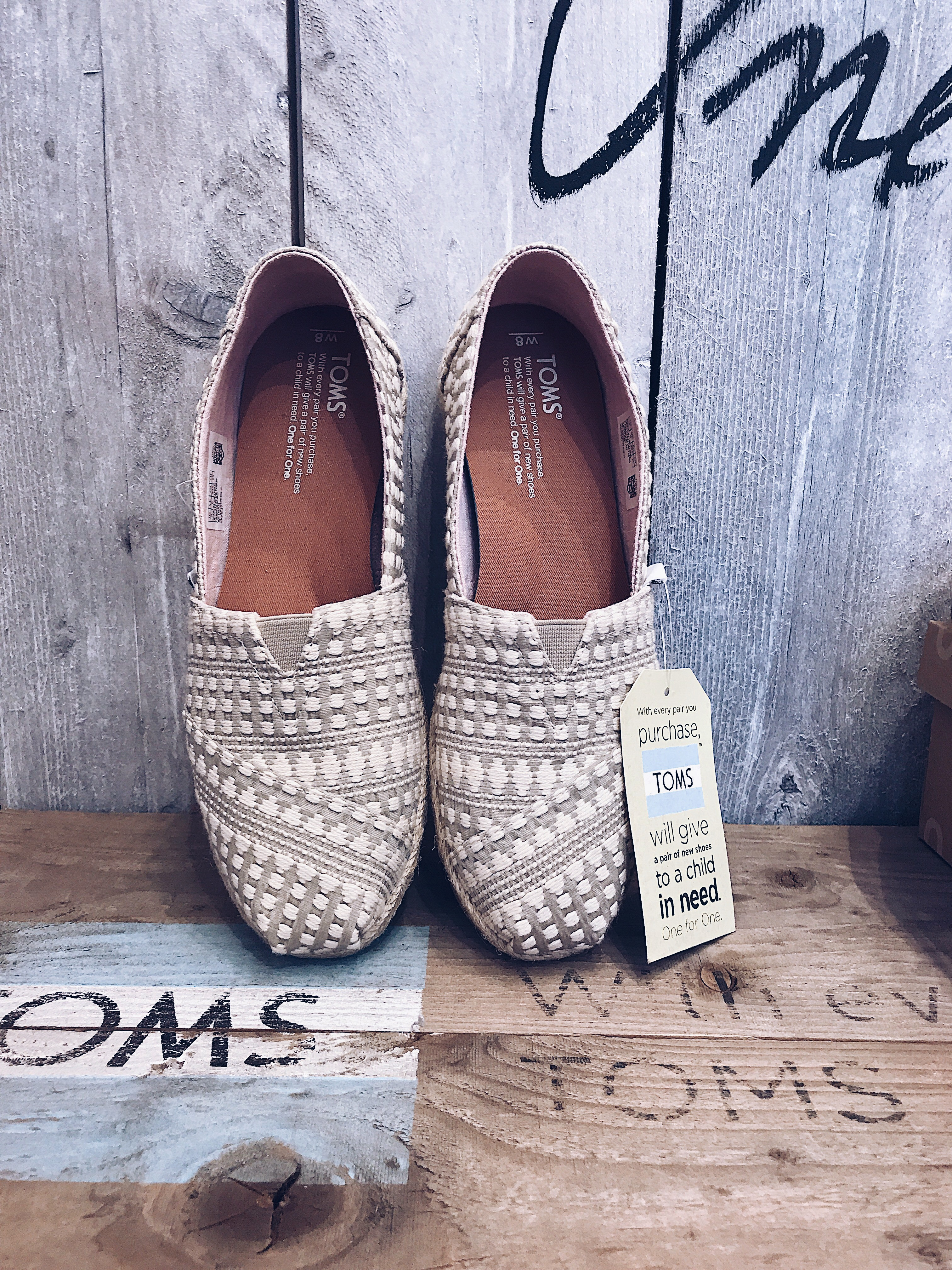 Toms Espadrilles, daisies and glitter