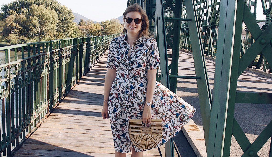Scarf-Print, Schalmuster Kleid Mango