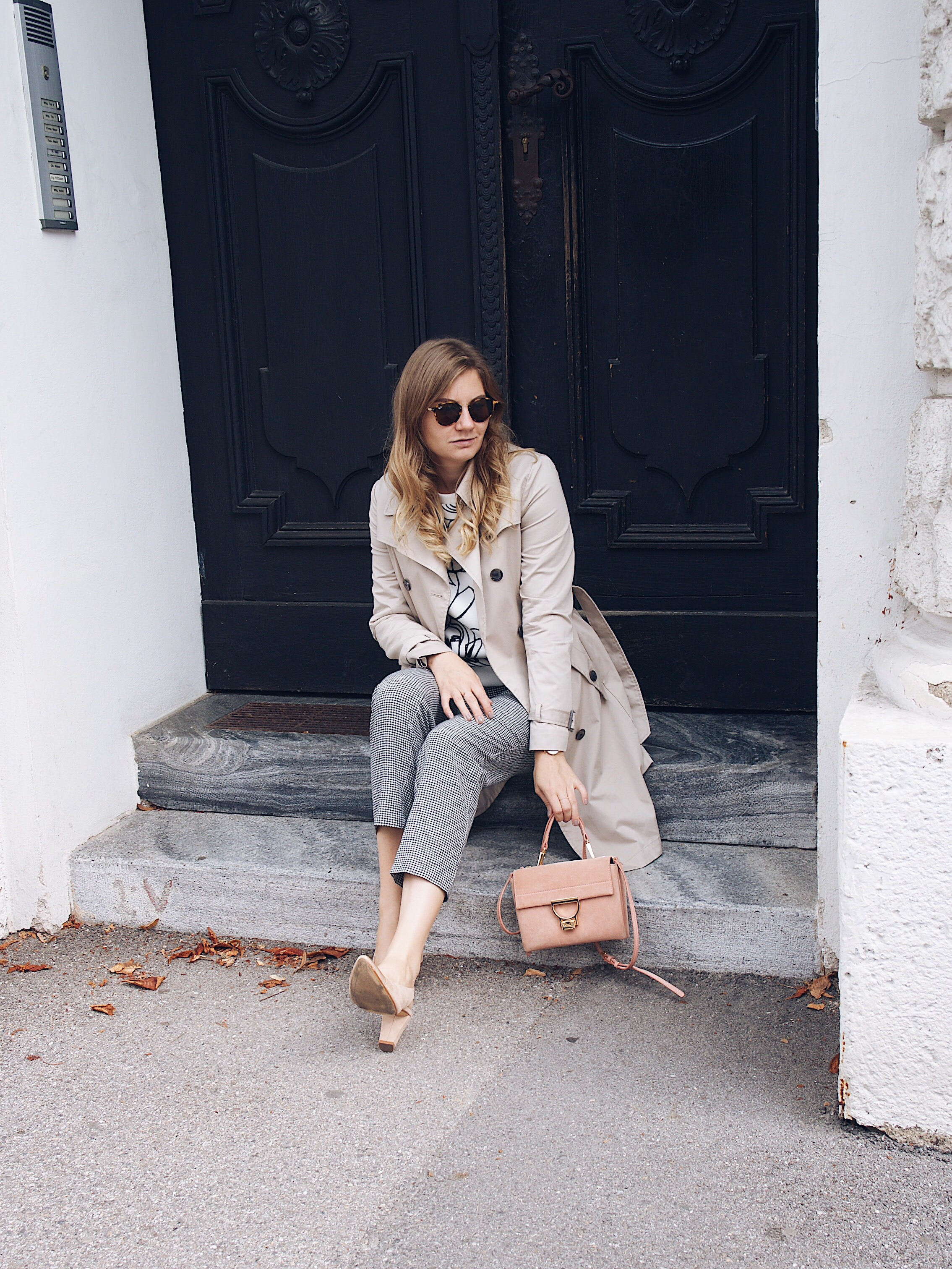 Trenchcoat Outfit im Herbst