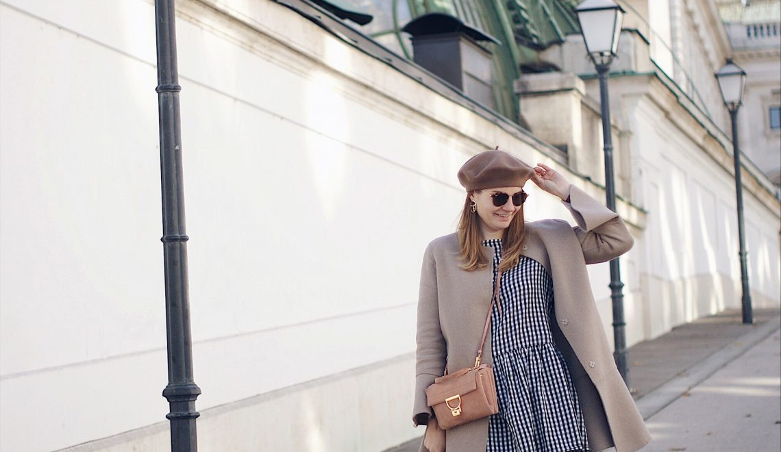 Noch immer im Trend: Kleider mit Karomuster