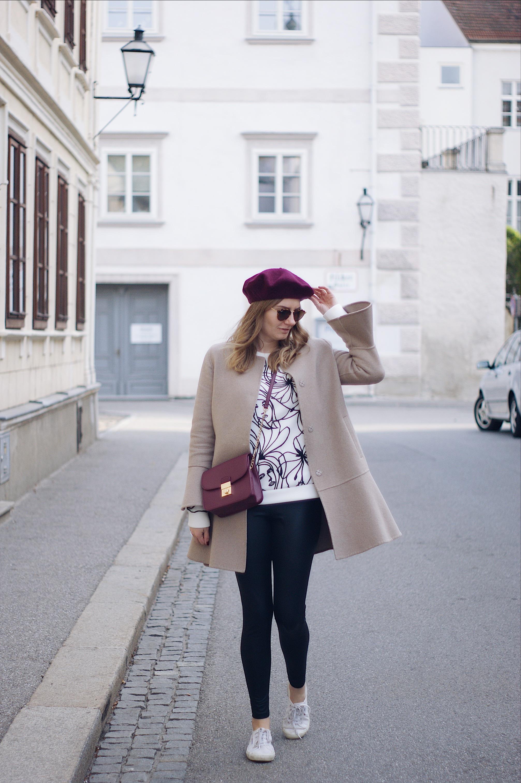 Herbst Streetstyle Outfit mit Mantel und Baskenmütze