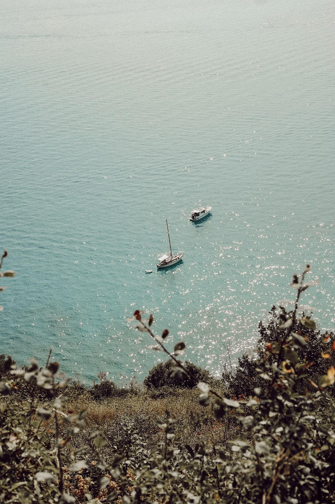 Besonders schön anzusehen und perfekt zum Verweilen ist die Bucht der Stille. Hier findet man unzählige Bänke von denen man einen traumhaften Blick auf die Bucht hat. Am liebsten wäre ich dort den ganzen Tag geblieben.