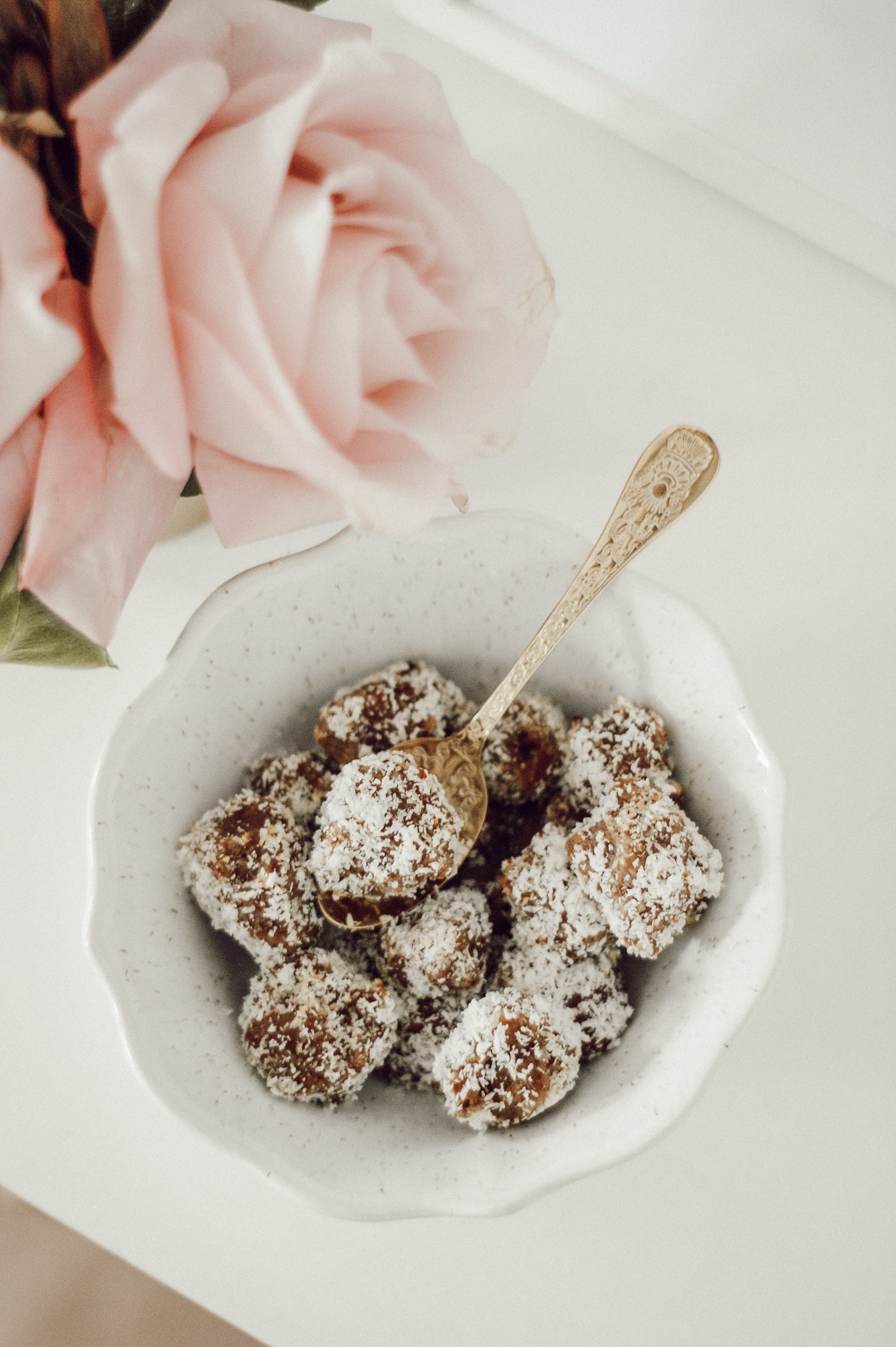 raw bite energy balls