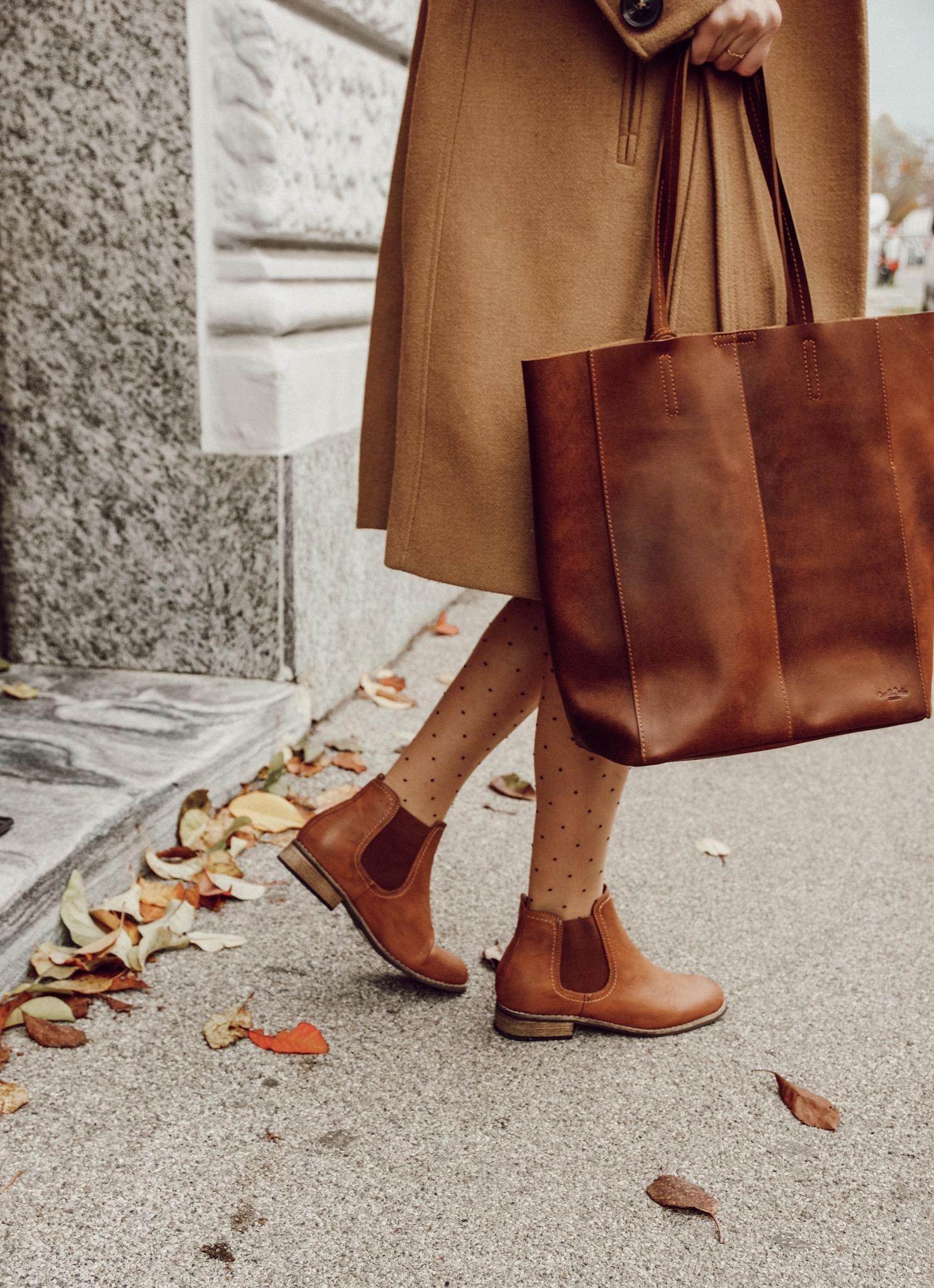Beige & schwarz: Chelsea Boots kombinieren | daisiesandglitter