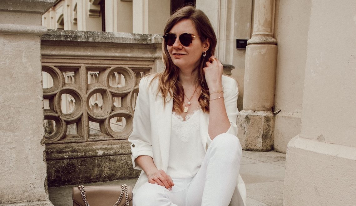 off-white spring Outfit mit Sneakers von LaShoe
