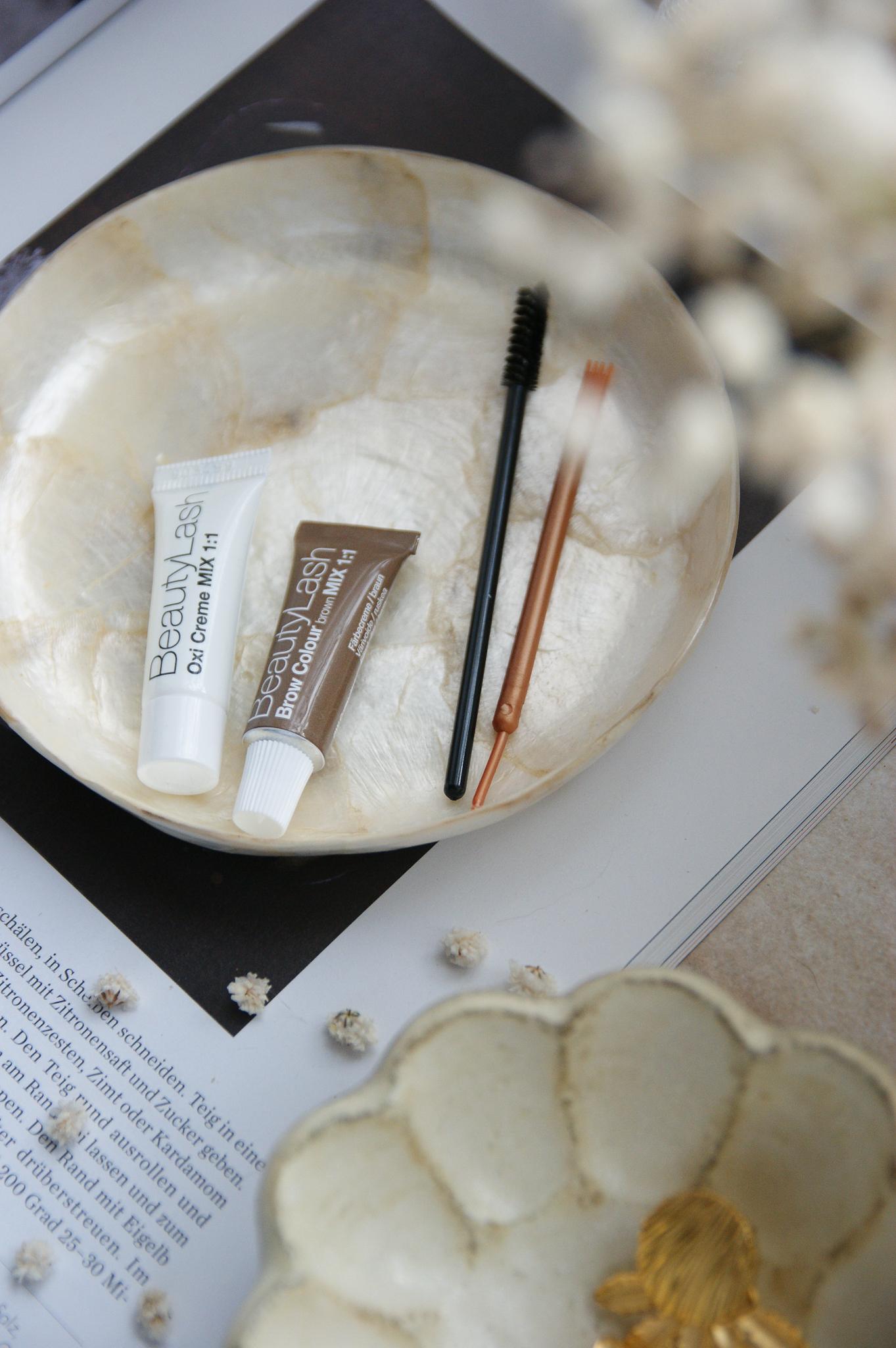 BeautyLash: Augenbrauen und Wimpern färben von zu Hause aus