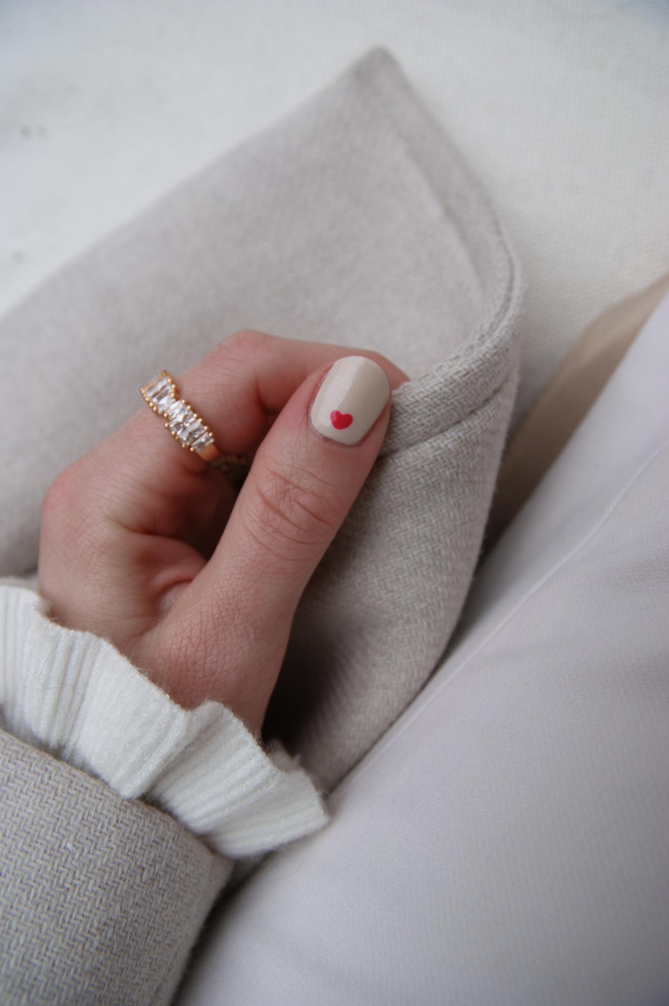 heart nail art, Valentine's Day nails, nail design