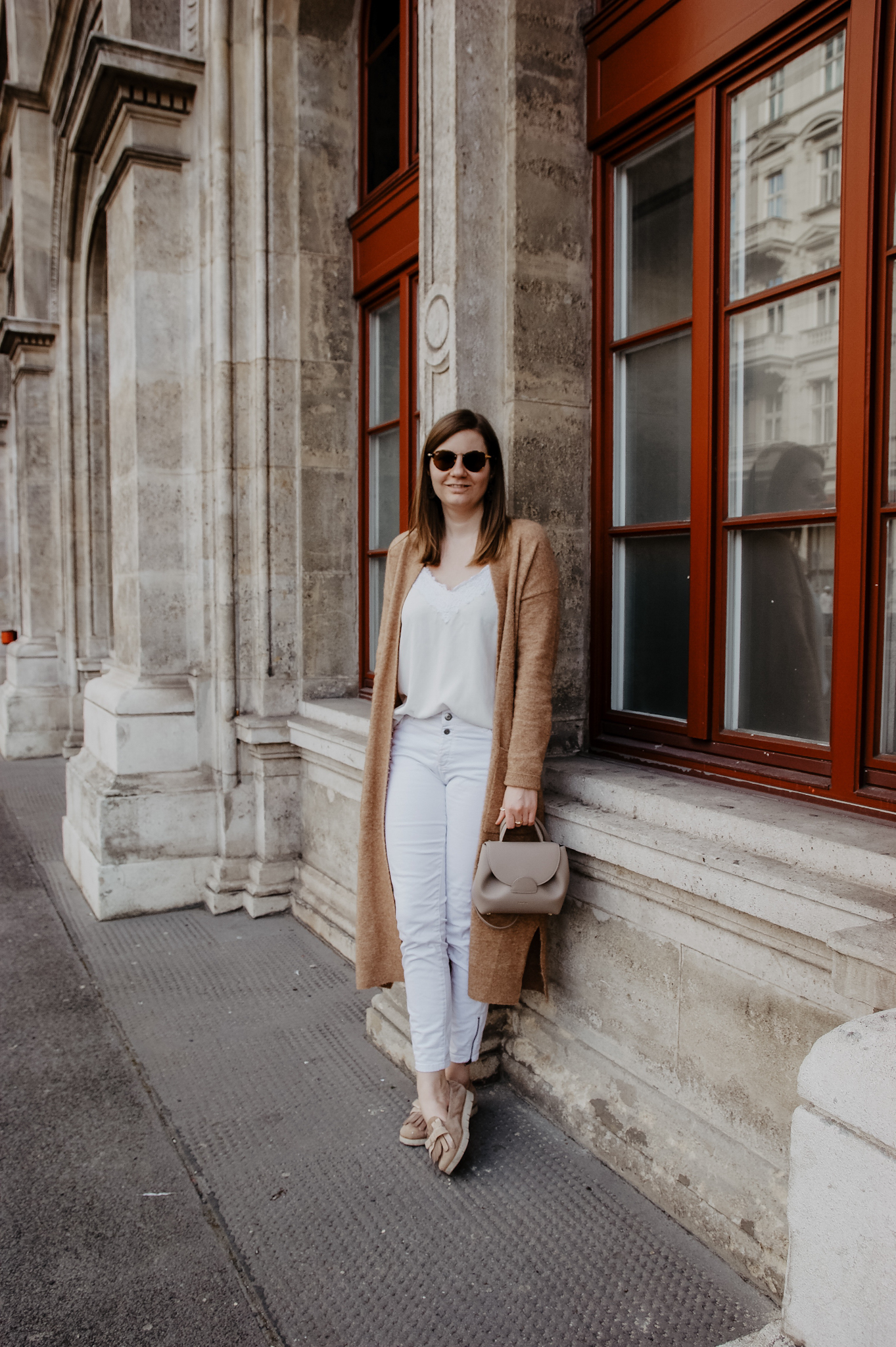 Long cardigan spring outfit Vienna