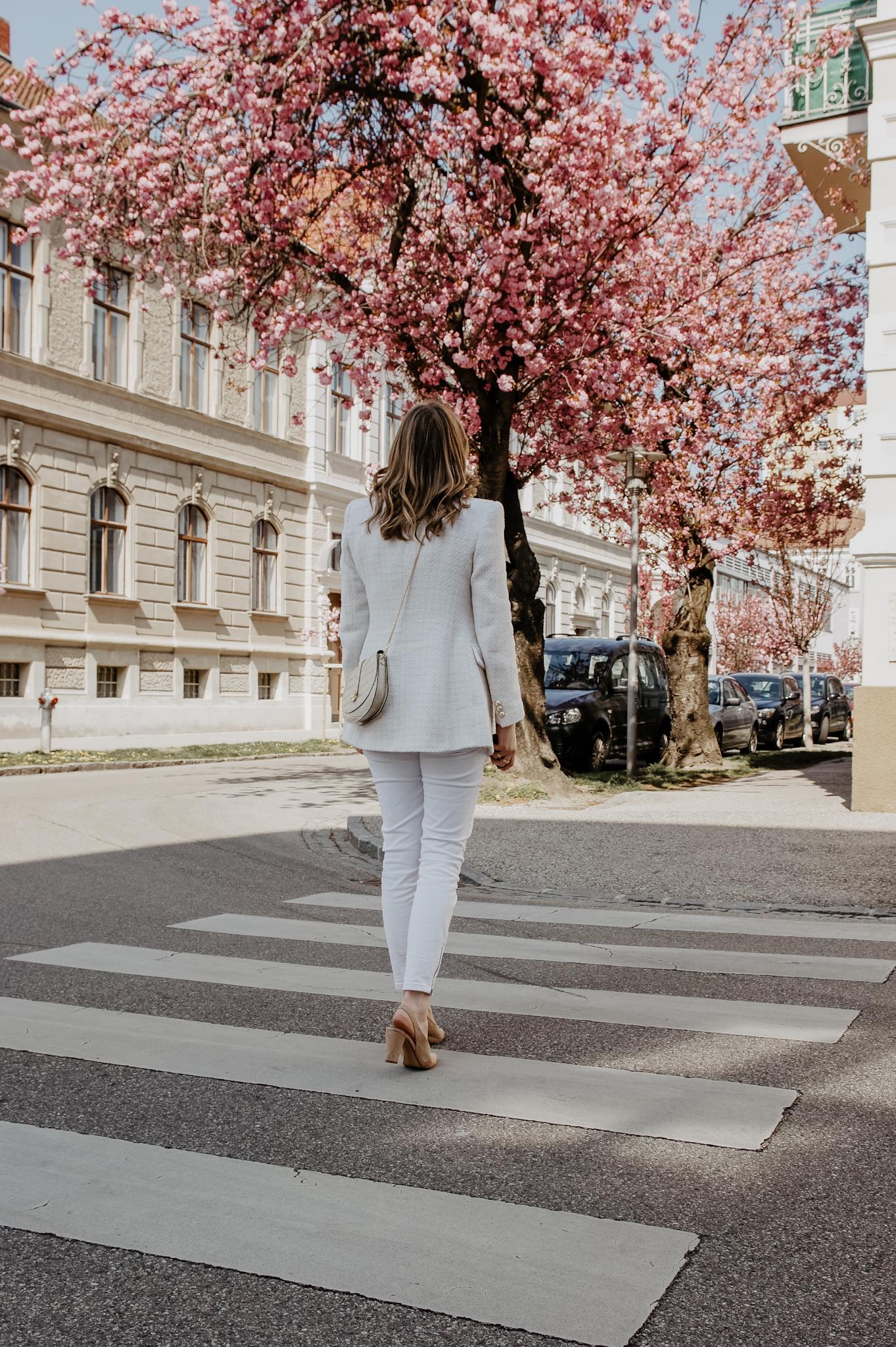 Zara Blazer, Jeans, Outfit, spring, cherry blossom