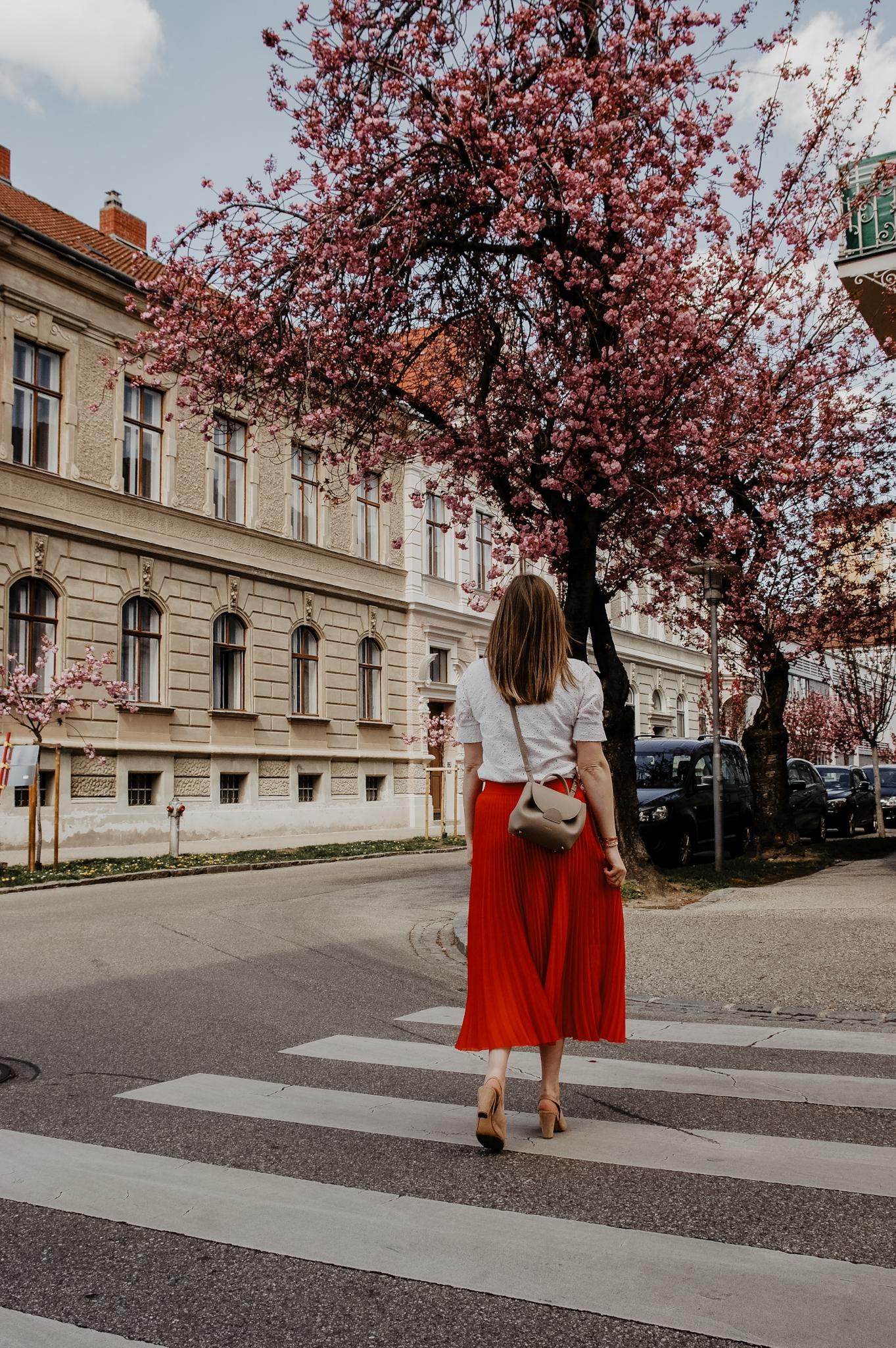 Taifun Plisseerock rot, Streetstyle, Spring Outfit