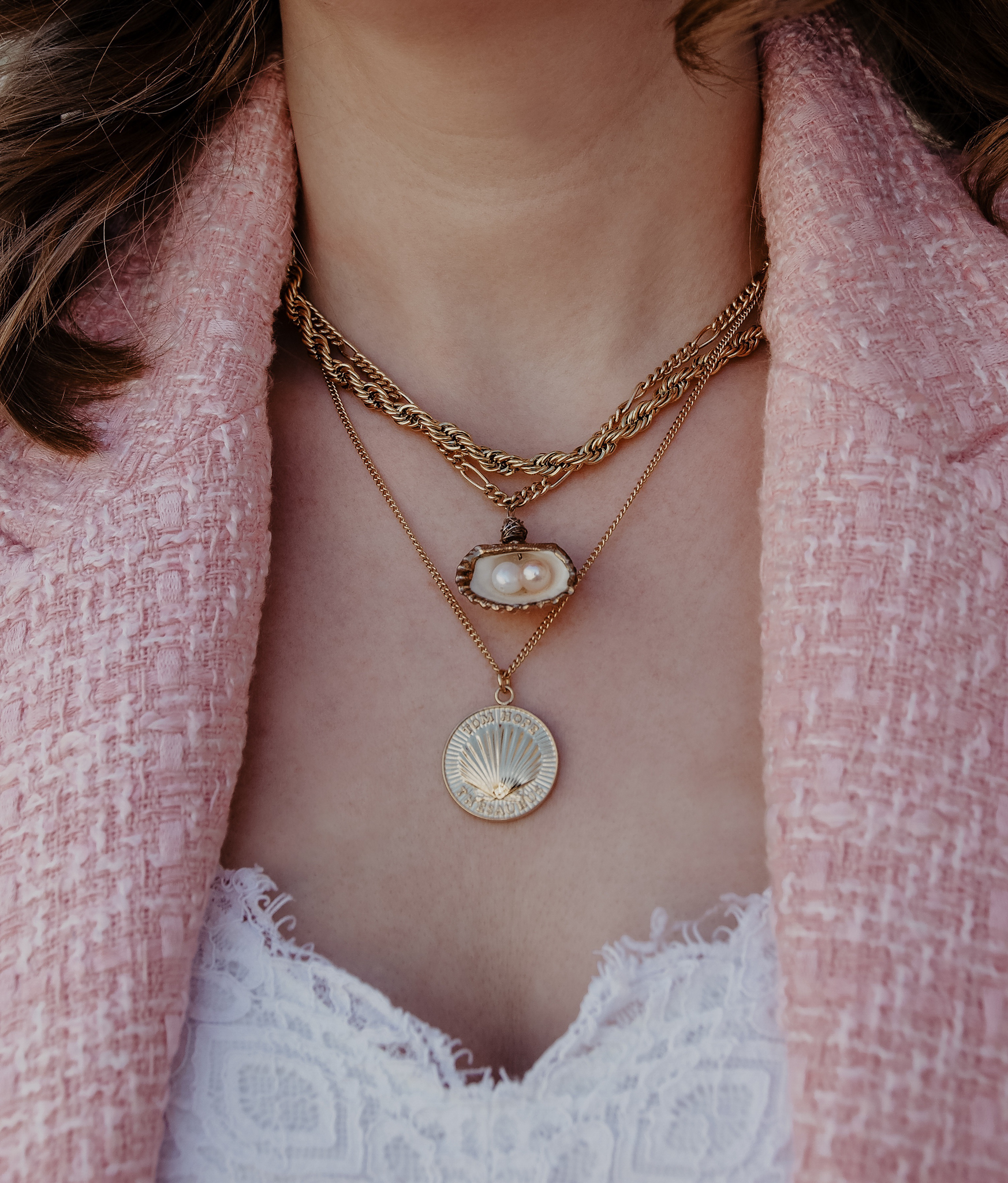 Statement necklaces gold, coin necklace, shell necklace