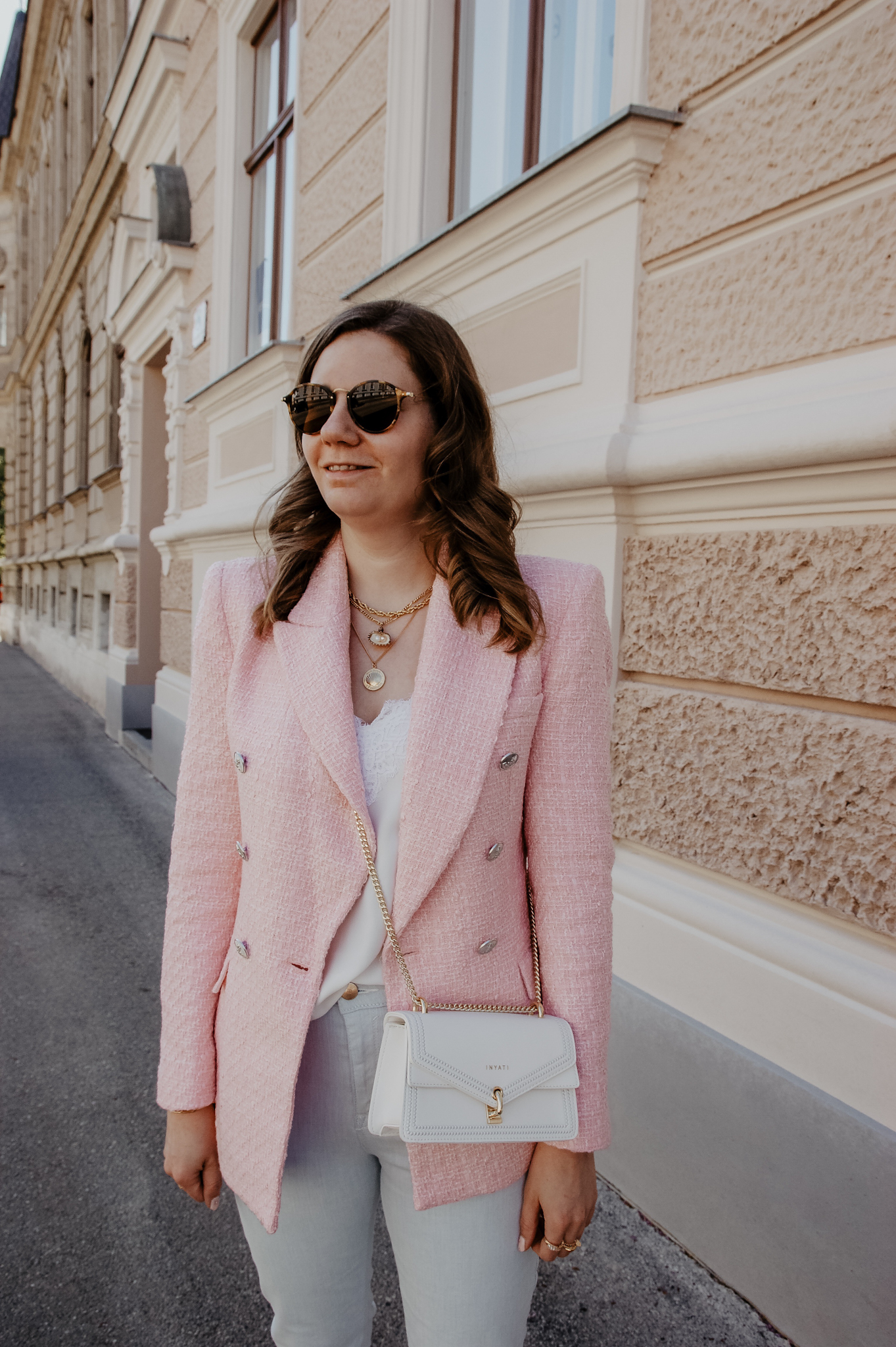 pink blazer, inyati bag, zara blazer, spitzentop, streetstyle, ootd